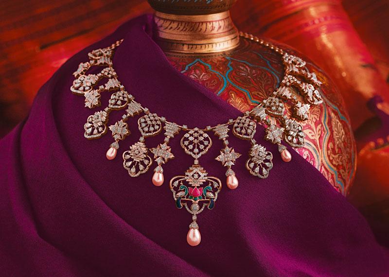 Gold Showroom Jewellery Set - Reliance Jewels